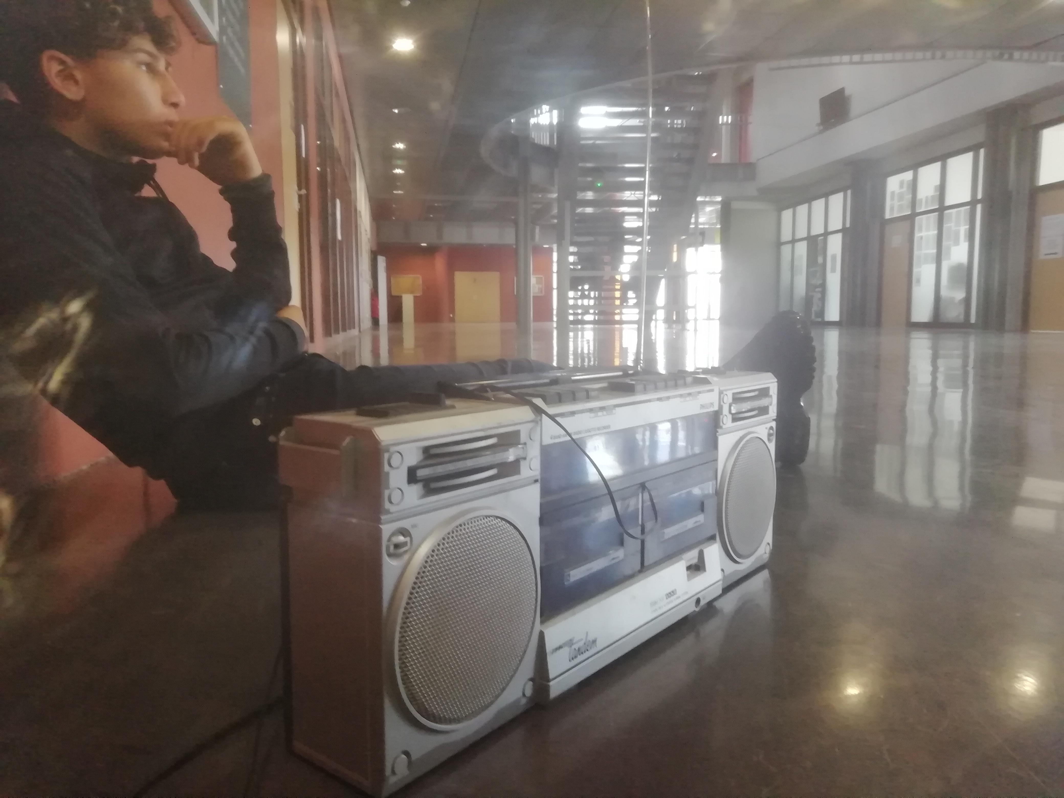 Ecoute radio au collège Aimé Césaire, sur New's FM